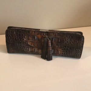 Cache clutch purse in alligator print